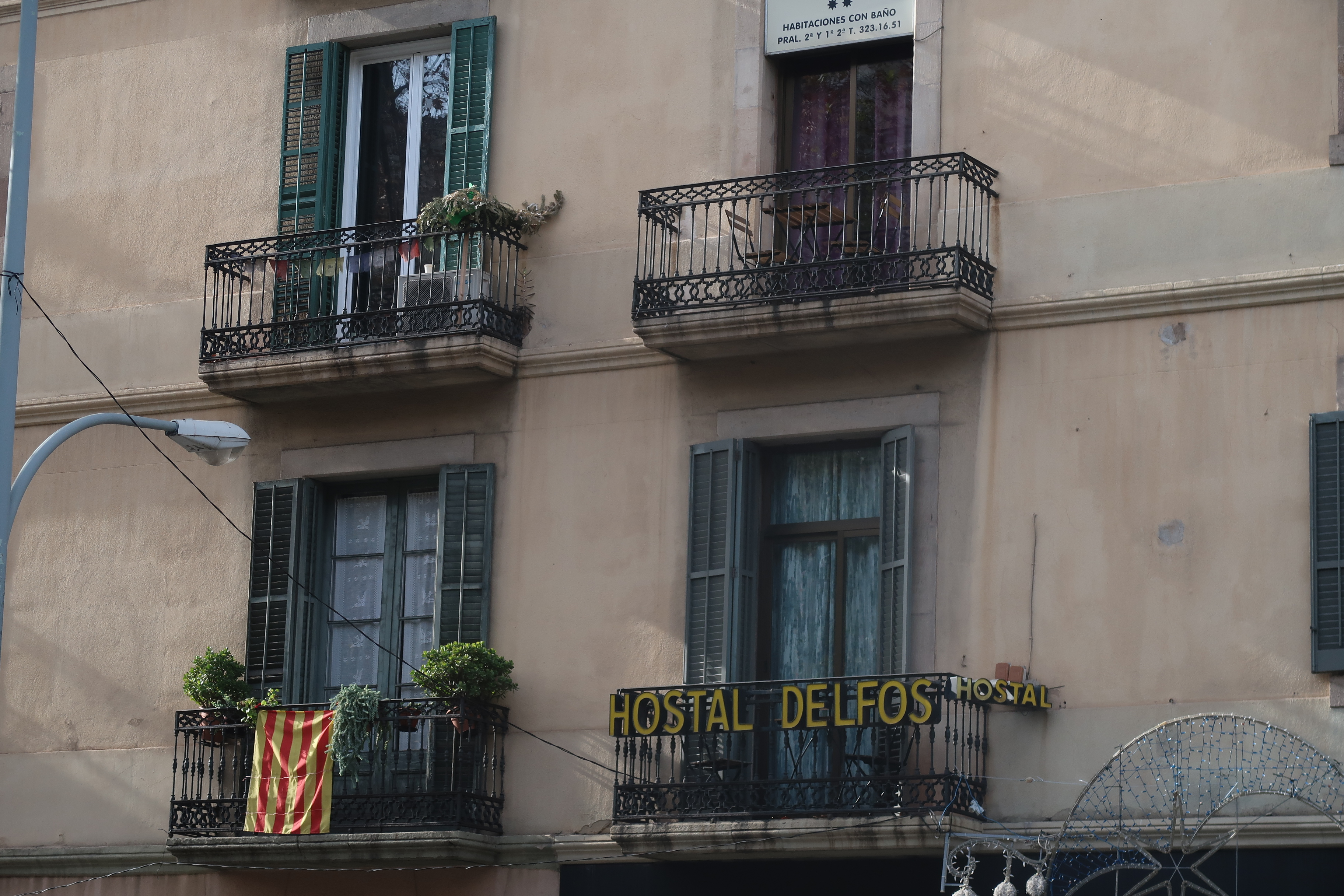 Hostal Delfos, Ronda de San Antoni, Barcelona
