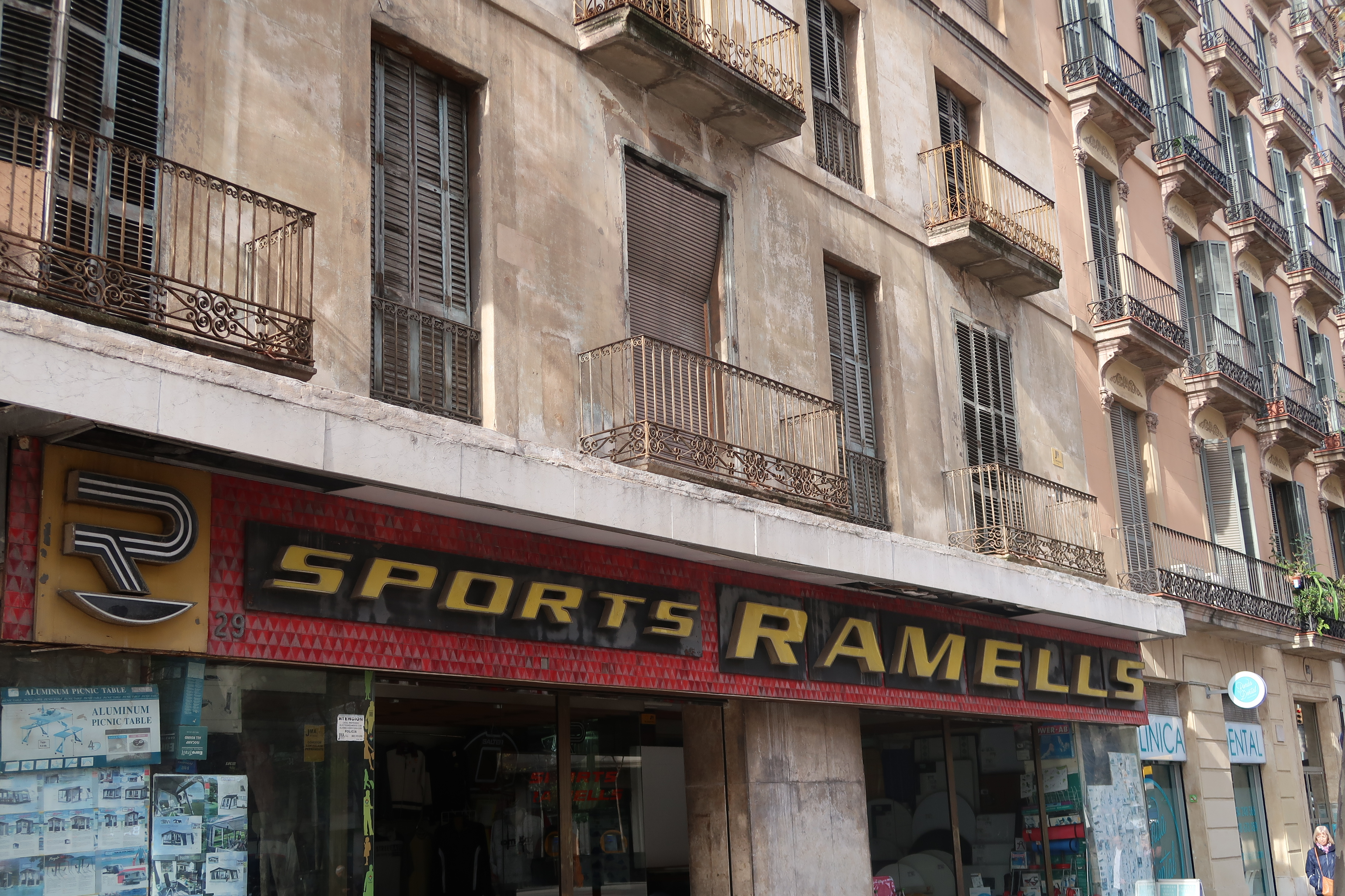 Sports Ramells outdoor shop, Ronda de San Antoni, Barcelona
